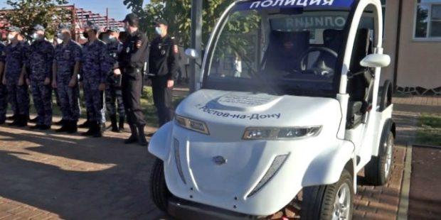 В Ростове полицейских пересадили на миниэлектромобили