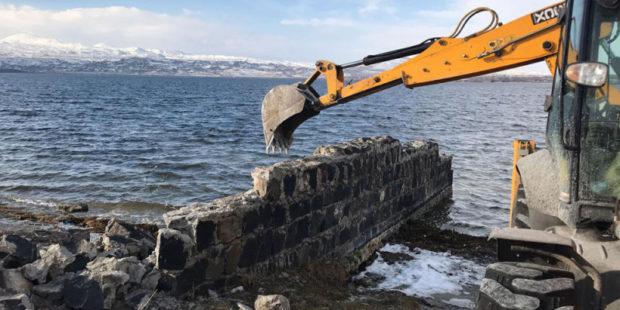 """Через месяц парк """"Севан"""" будет иметь свою технику для очистки территории озера"""