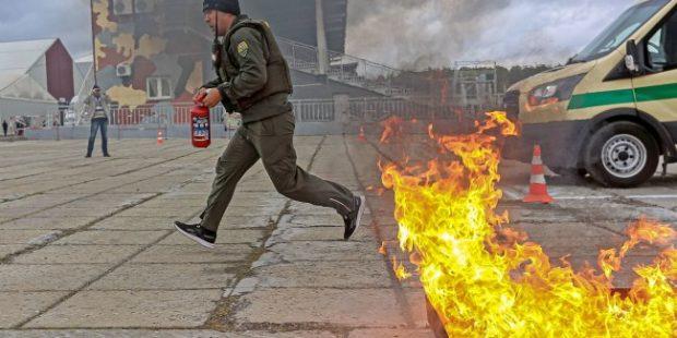 Фото: В Нижнем Тагиле соревнуются инкассаторы и охрана банков