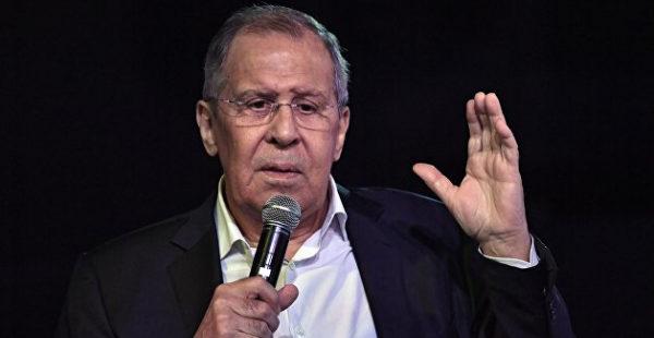 «Это печально»: Лавров услышал «отголоски КВН» в словах Зеленского о войне