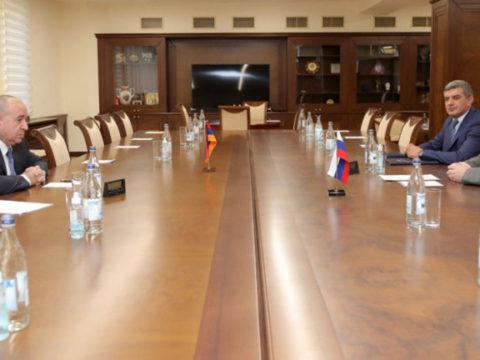 Министр обороны Армении заявил о стратегической роли ЮКЖД в сфере перевозок