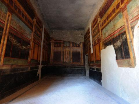 Специальный робот займется восстановлением фресок в Помпеях