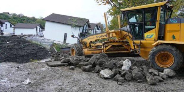 В Сочи оползень разрушил 22 жилых дома в элитном коттеджном поселке