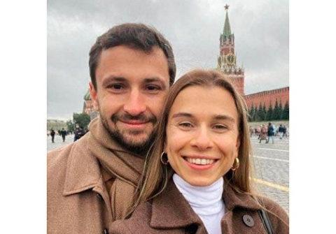 Сестра «слуги народа» и сын Кернеса на Красной площади поглумилась над бандеровцами