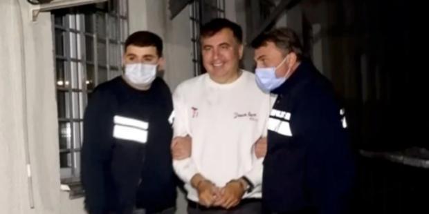 Задержание Саакашвили: экс-президент Грузии в наручниках попал на видео