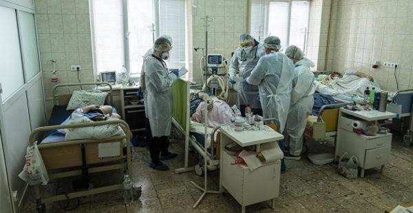 Больше тяжелых случаев: на Украине за сутки выросло число госпитализированных с коронавирусом