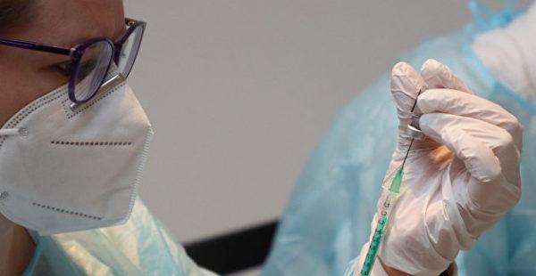 Оплата, проезд и страховка: украинцам предложили испытать новую вакцину от COVID-19 для США