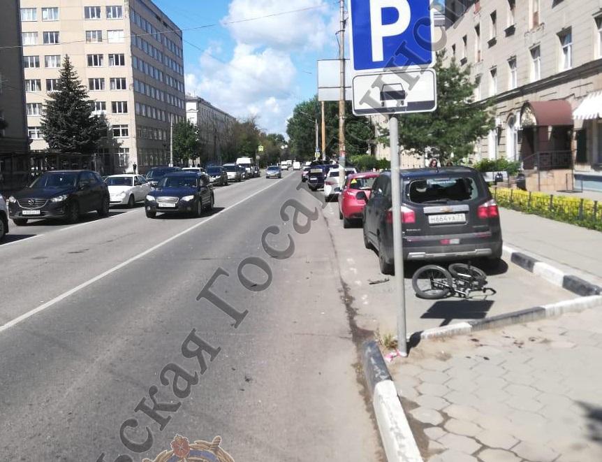 В Туле велосипедист попал под колеса иномарки