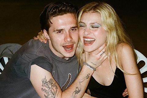 Бруклина Бекхэма обвинили в поддержке домашнего насилия после его нового снимка с невестой Николой Пельтц