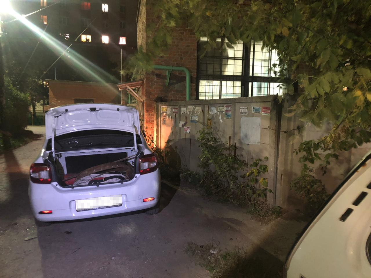 В Туле таксиста с подельником поймали на краже канализационных люков