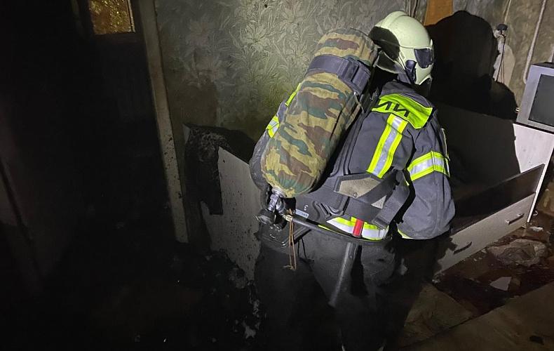 7 человек спасли из пожара в Новомосковске