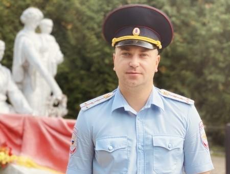 Полицейский из Новомосковска участвует в конкурсе «Народный участковый»