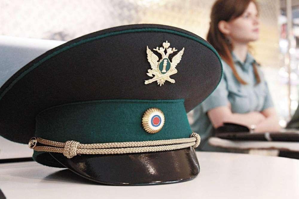 Щекинские судебные приставы принимают поздравления с профессиональным праздником