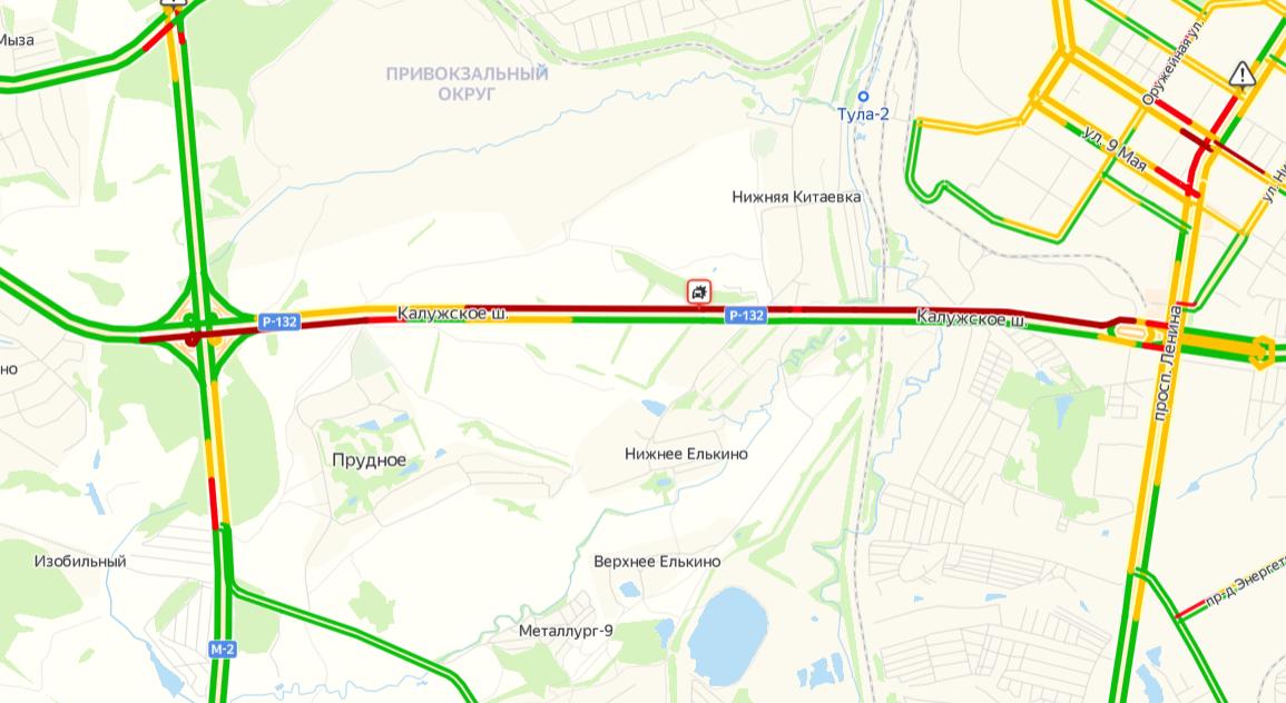 Из-за аварии на Калужском шоссе в Туле образовалась пробка