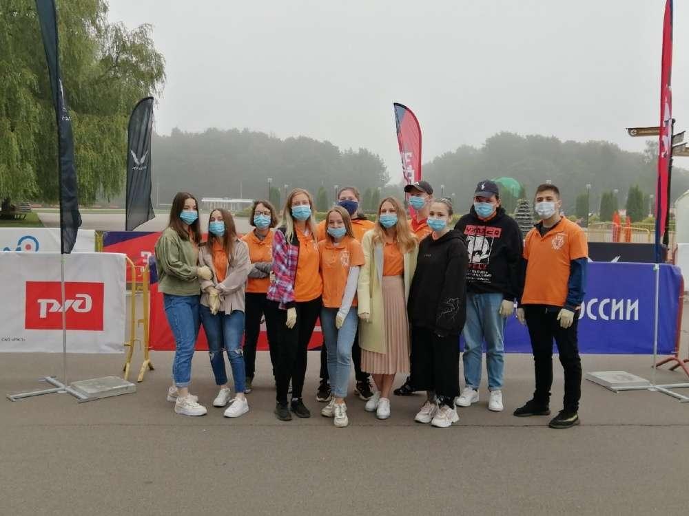 Щекинские волонтеры помогали в проведении полумарафона в Туле