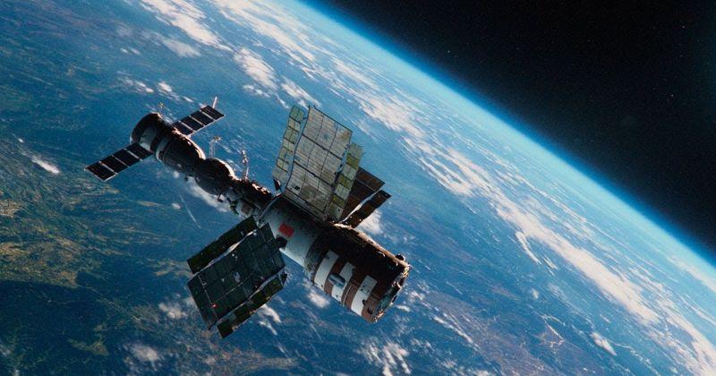 Режиссёр «Салюта-7» снимет фильм в космосе с женщиной в главной роли