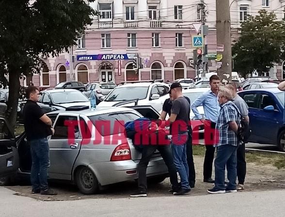 В Туле на улице Фрунзе проходят оперативные мероприятия