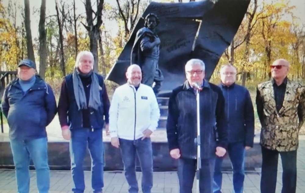 Щекинцы отметили день рождения Игоря Талькова