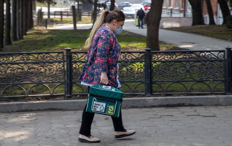 Врачи впервые возглавили рейтинг самых опасных профессий в России