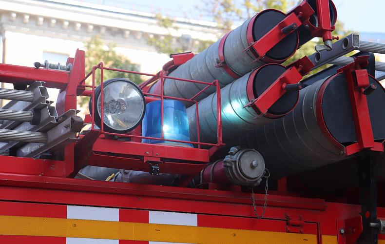 Тульские спасатели за сутки выезжали на три пожара и два ДТП