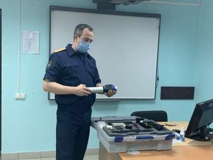 Первомайским кадетам рассказали об азах криминалистики