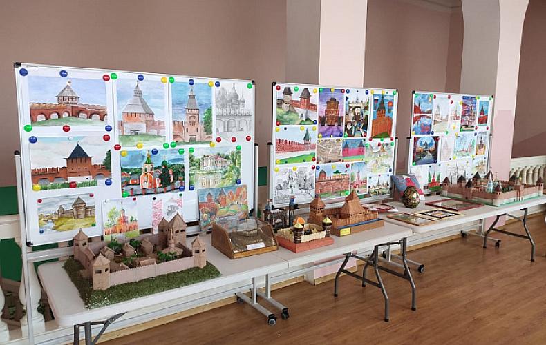 Передвижная выставка работ в честь 500-летия Тульского кремля приехала в Богородицк