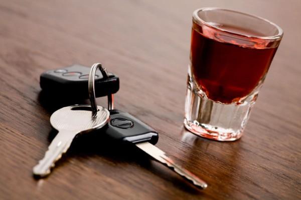 В Тульской области пьяный мужчина поджёг чужую машину из-за ревности