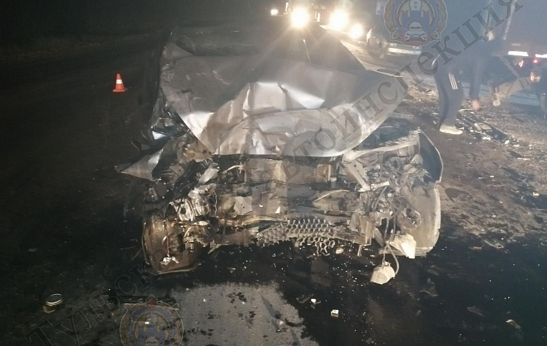 В Тульской области самосвал раздавил легковушку: погиб молодой парень