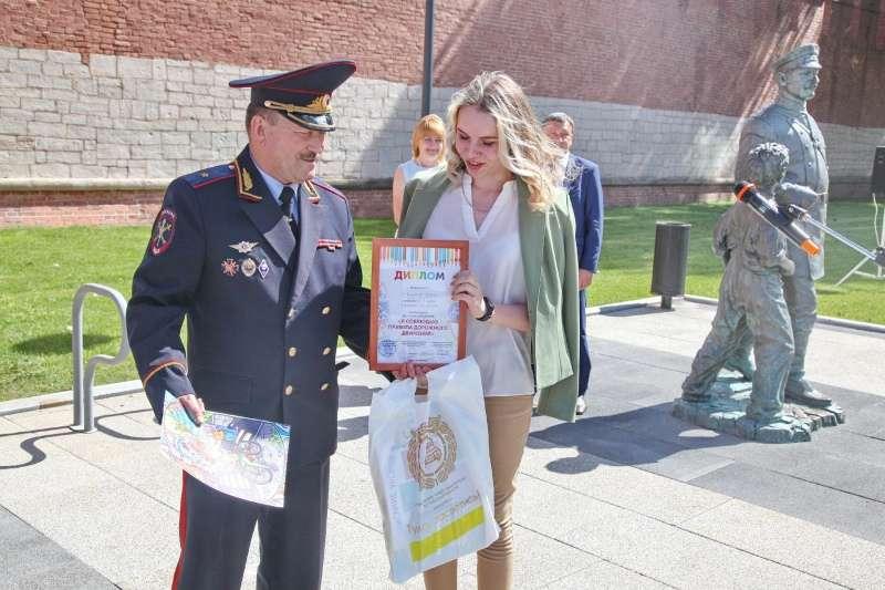 Победителей конкурса рисунков наградили в Туле
