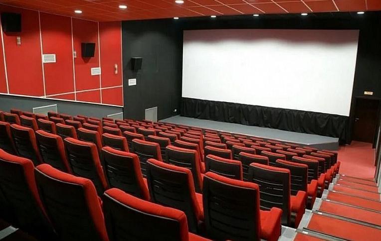 Бизнес-эксперты обеспокоены падением посещаемости кинотеатров