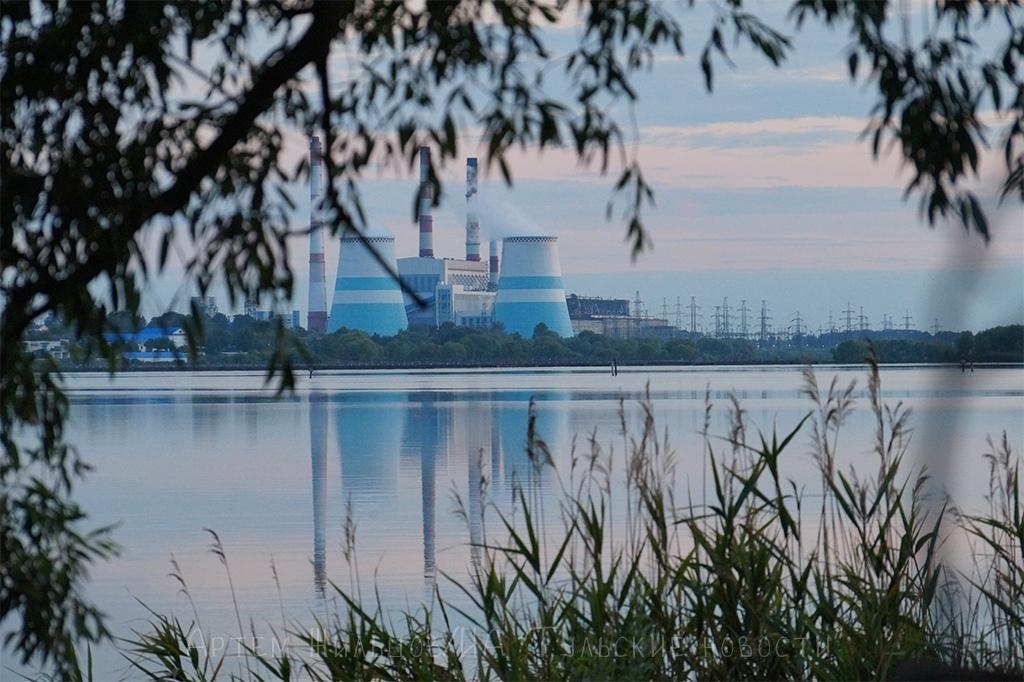 В Суворовском районе моторная лодка едва не покалечила купающуюся женщину