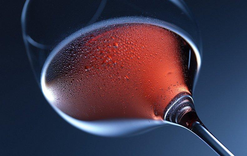 Трое жителей Тульской области производили поддельный алкоголь
