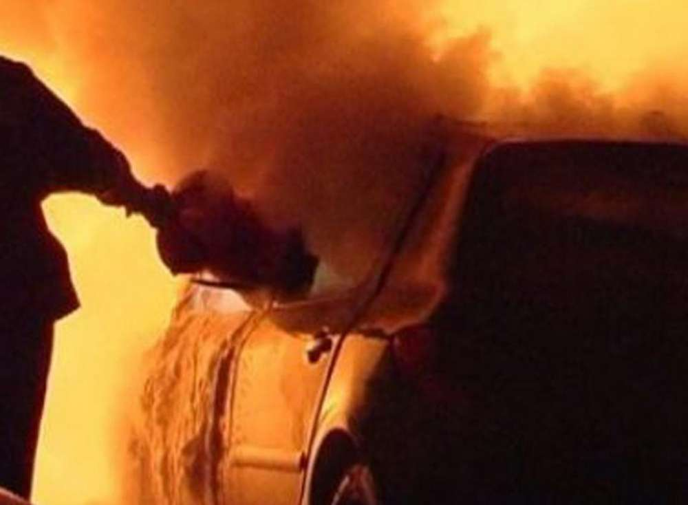 В Щекино горел автомобиль