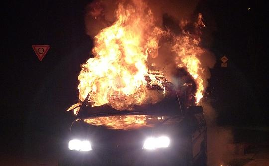 Виновник смертельного ДТП пытался уничтожить свой автомобиль в Тульской области