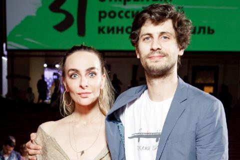 Екатерина Варнава и Александр Молочников подтвердили роман и впервые вместе вышли в свет
