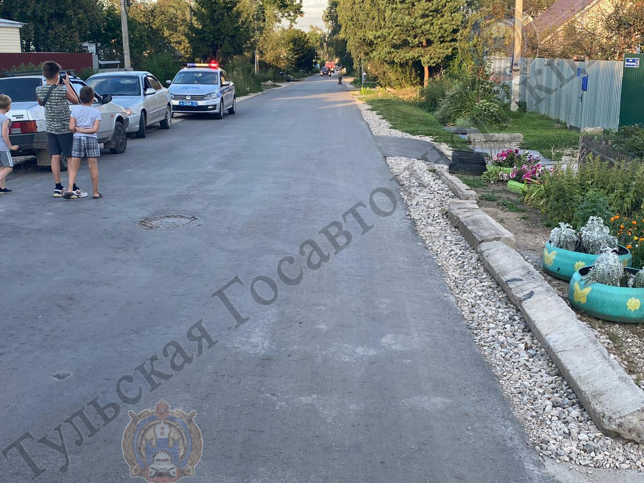 В Тульской области водитель сбил подростка, сидящего на бордюре