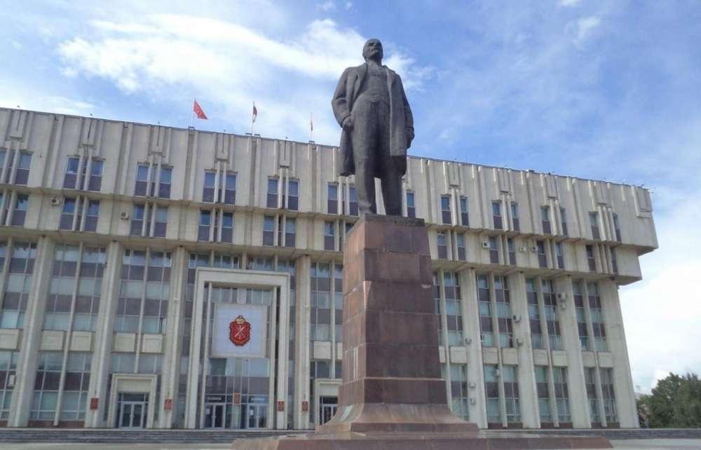 В Туле завершили ремонт памятника Ленину