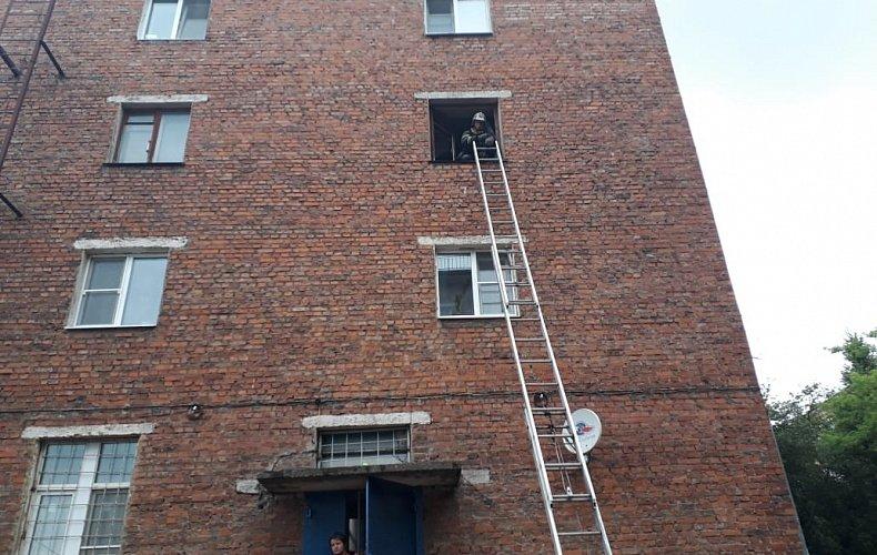 Из пожара в Тульской области спасли двух человек