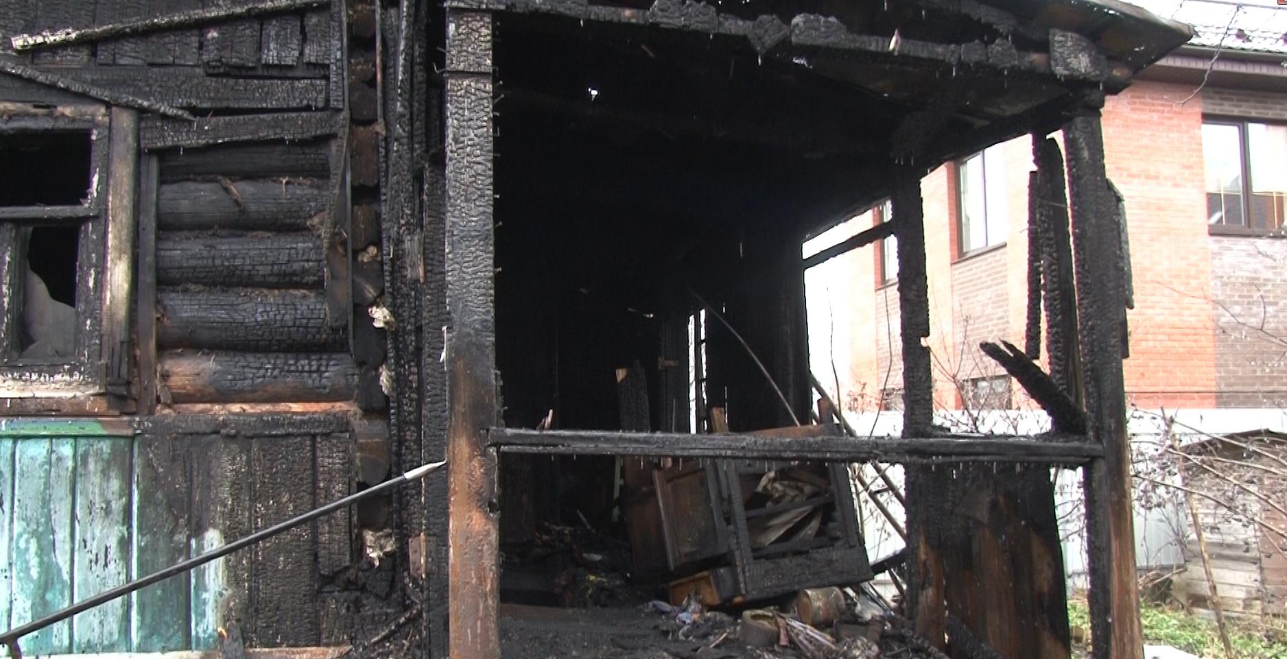 Пожар с 2 погибшими в Туле: следователи начали проверку