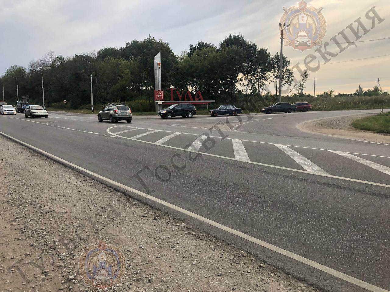В Туле пьяный водитель, не имеющий права управления автомобилем, устроил аварию