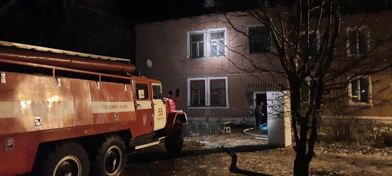 В поселке под Кимовском загорелся многоквартирный дом