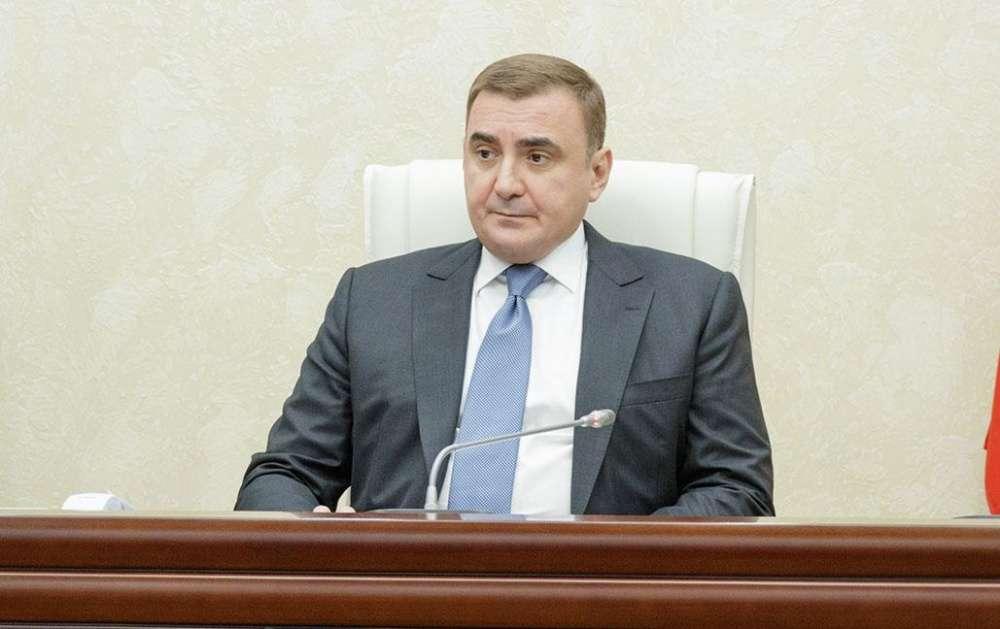 Алексей Дюмин отметил, что ежедневно получает информацию об отключениях на объектах водо- и электроснабжения в регионе