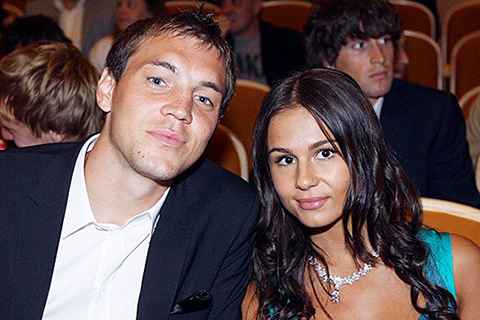 В сети обсуждают возможное расставание Артема Дзюбы с женой Кристиной