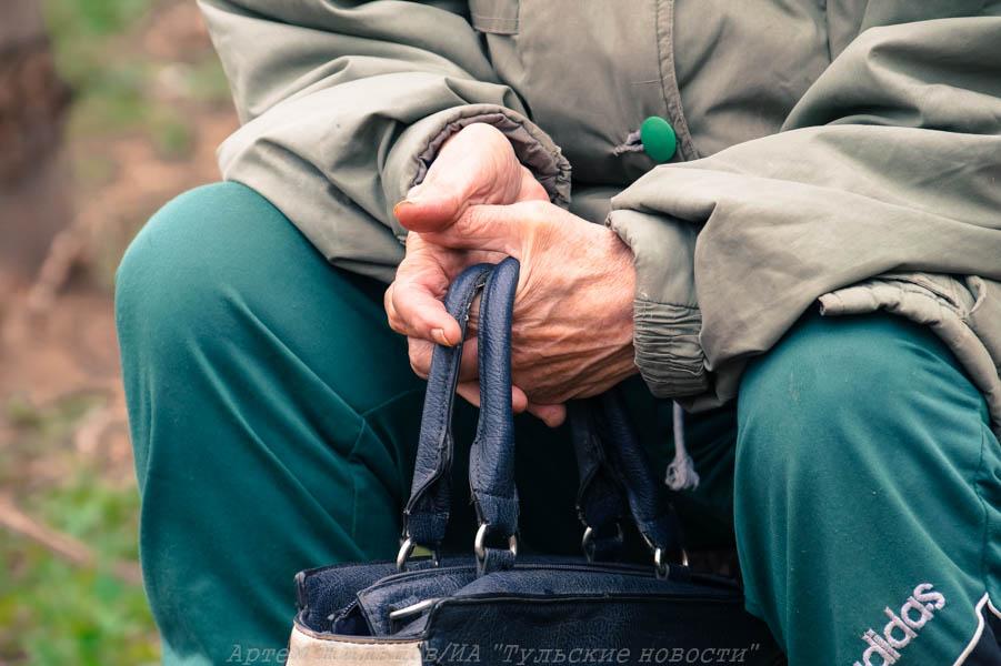 В Туле рабочий ограбил пенсионерку