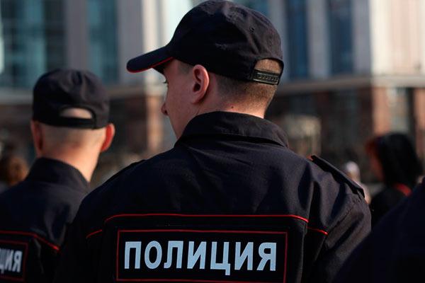 В Новомосковске местный рецидивист напоил и обокрал свою подругу