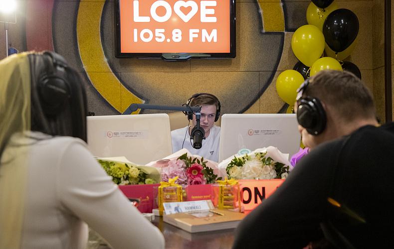 Love Radio Тула устроило свадьбу в прямом эфире