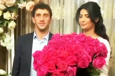 В сети обсуждают, как борец Заурбек Сидаков выгнал свою невесту со свадьбы: хронология и все подробности скандала