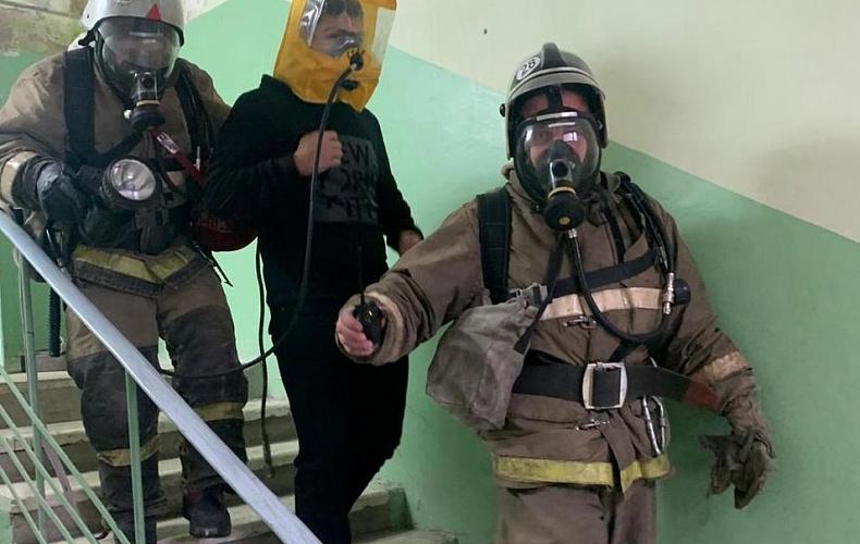Спасатели ликвидировали «учебный» пожар в алексинской школе