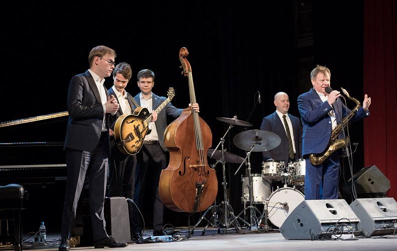 Квинтет Игоря Бутмана выступил в тульской филармонии