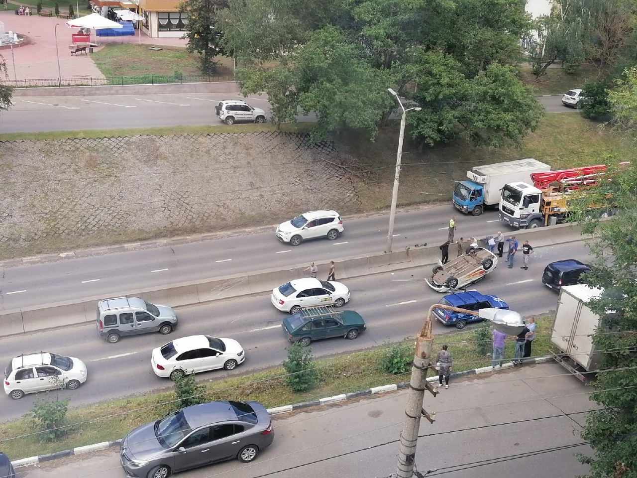 ДТП с военным грузовиком в Туле: таксист неудачно перестроился